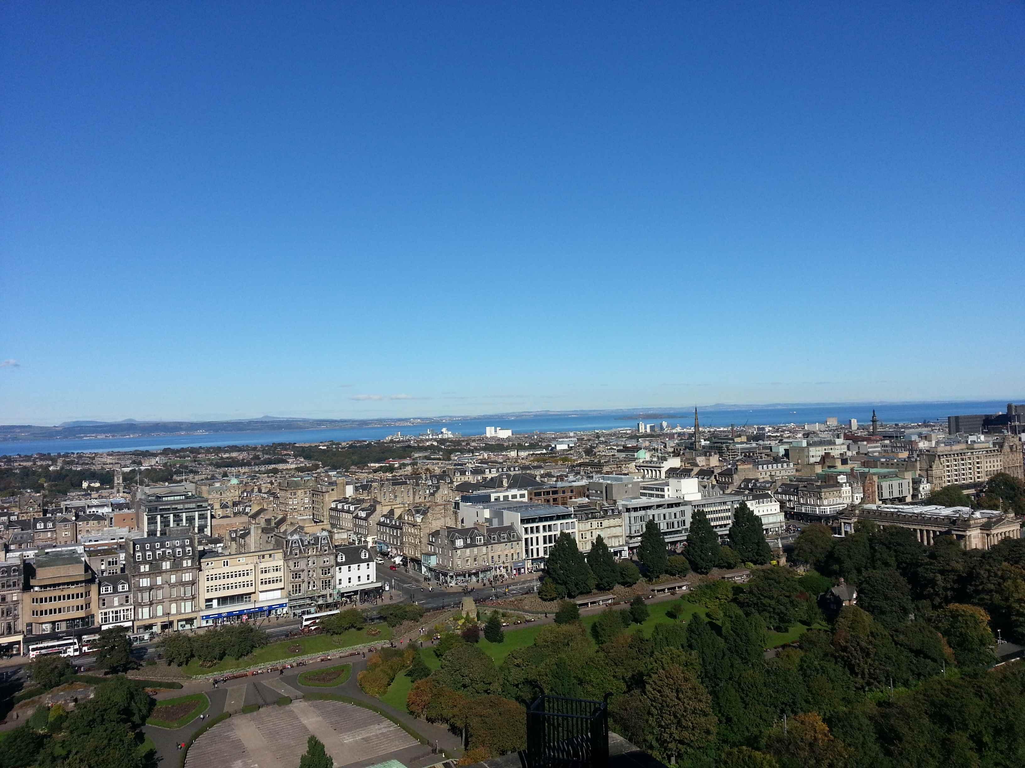 Edinburgh vom Edinburgh Castle aus gesehen