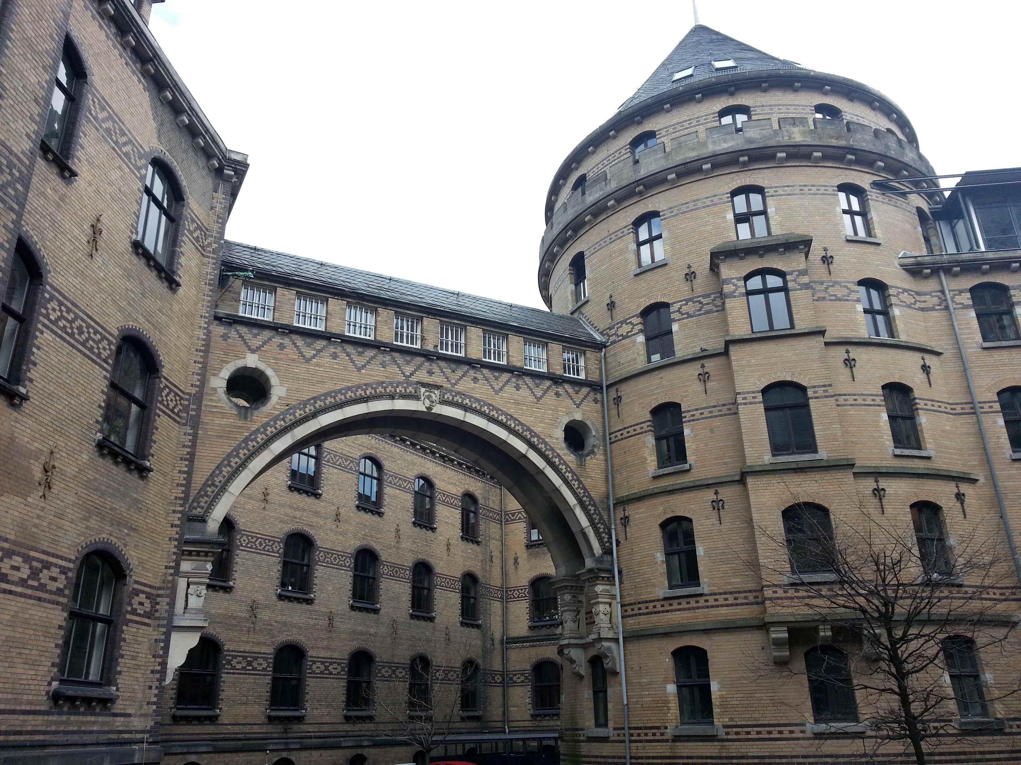Polizeigebäude und Untersuchungsgefängnis in Bremen