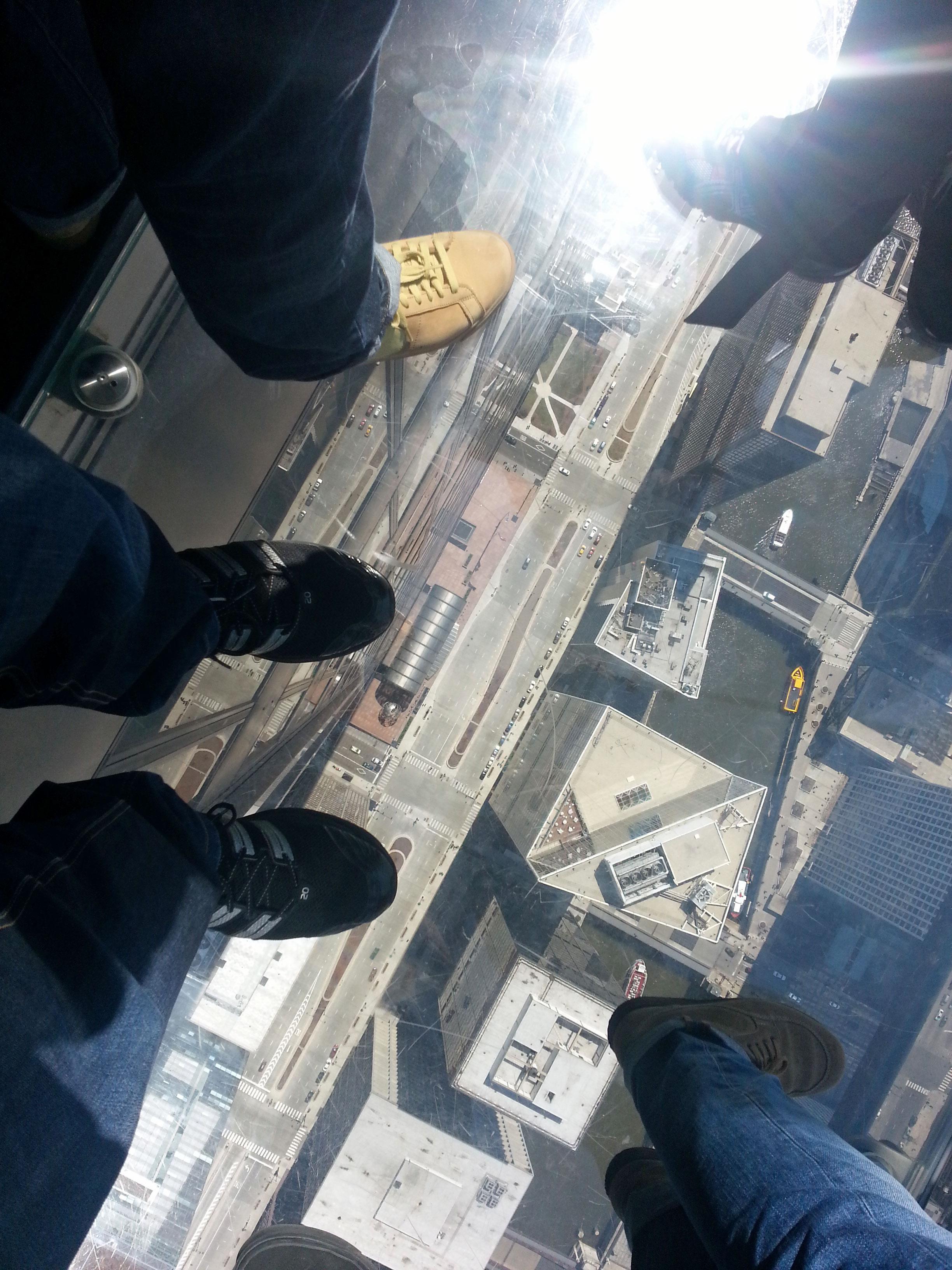 Blick nach Unten von der Aussichtsplattform des Sears-Tower in Chicago (c) Kanter
