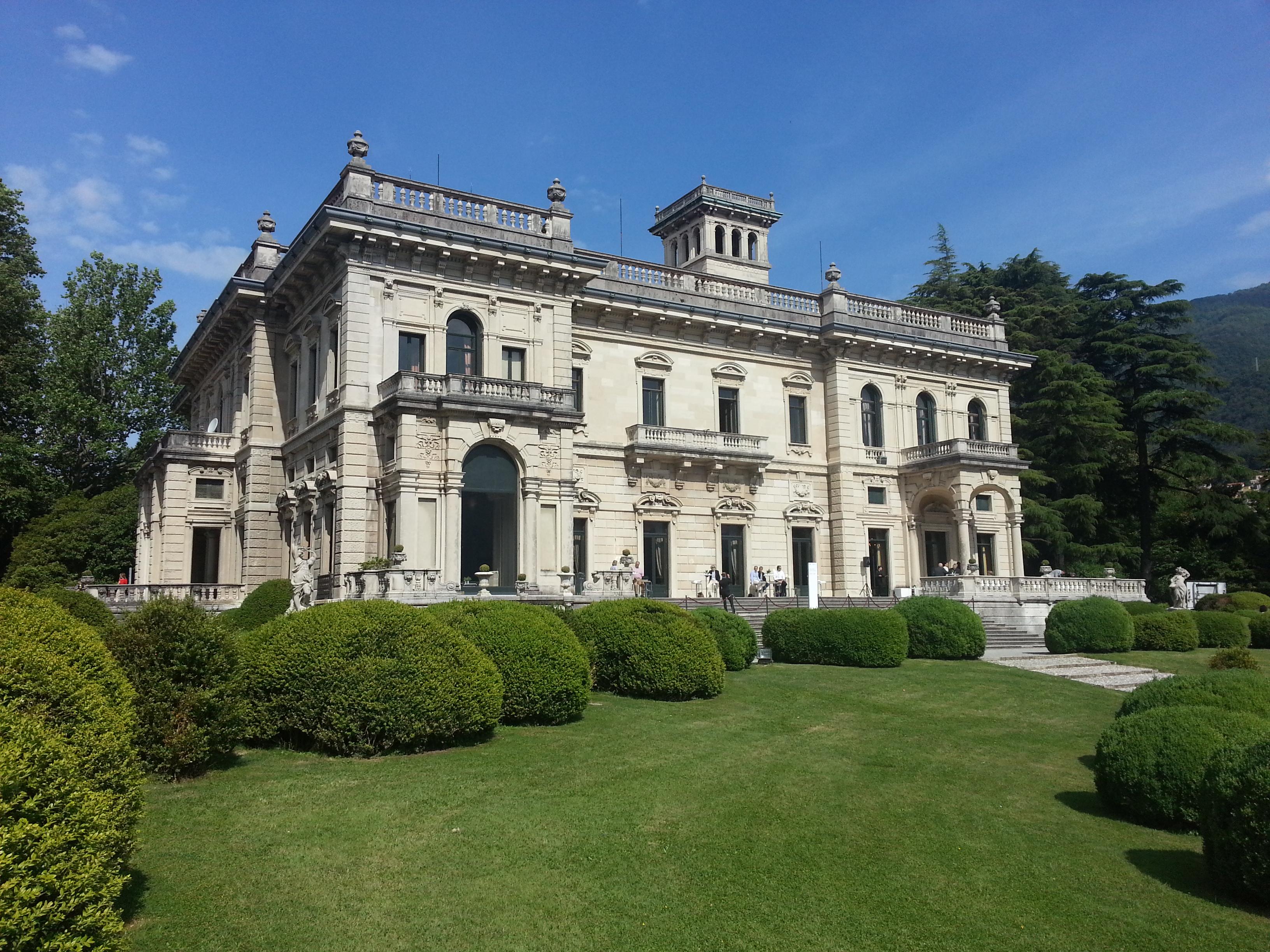 Verblichene Pracht: Die Villa Erba am Comer See (c) kanter