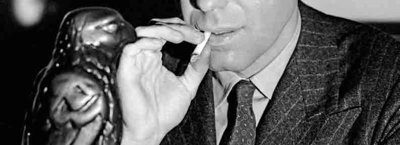 "Sam Spade in ""Der Malteser Falke"". Ein früher Klassiker des Film Noir (C) Taschen/Independent Visions"